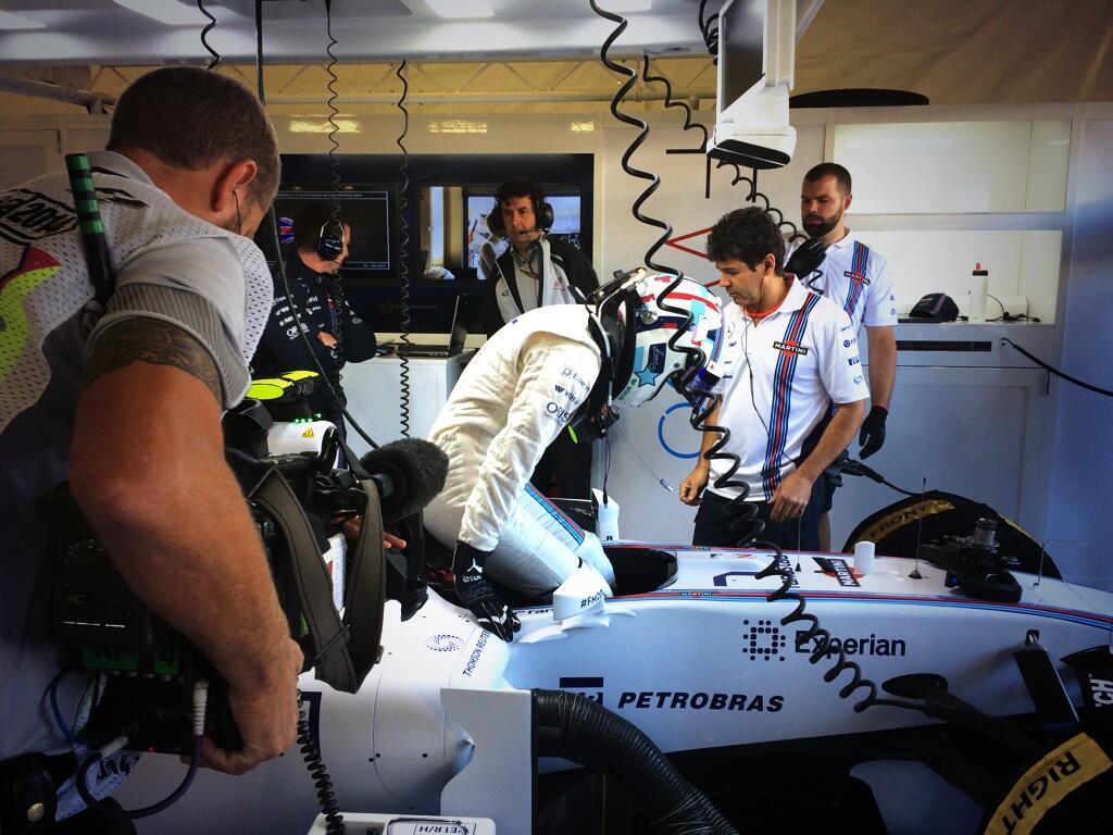 Véget érhet Wolff programja, Massa autót tört! Rosszul indul a Williams napja (frissítve)