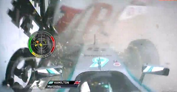 Hamilton összetörte a Mercedest Hockenheimben: komoly csattanás a stadionban