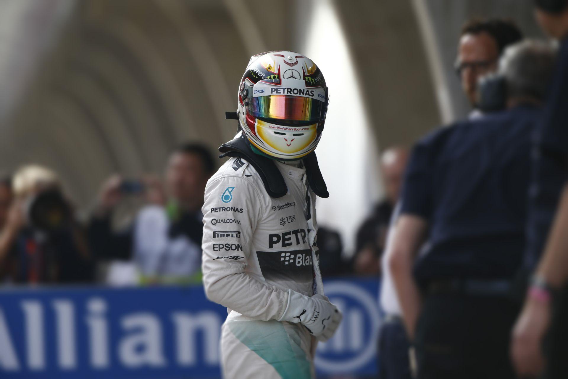 Hamilton nagyon simán nyert Kínában Rosberg és Vettel előtt! Raikkönen ismét negyedik lett! Mindkét McLaren célba ért!