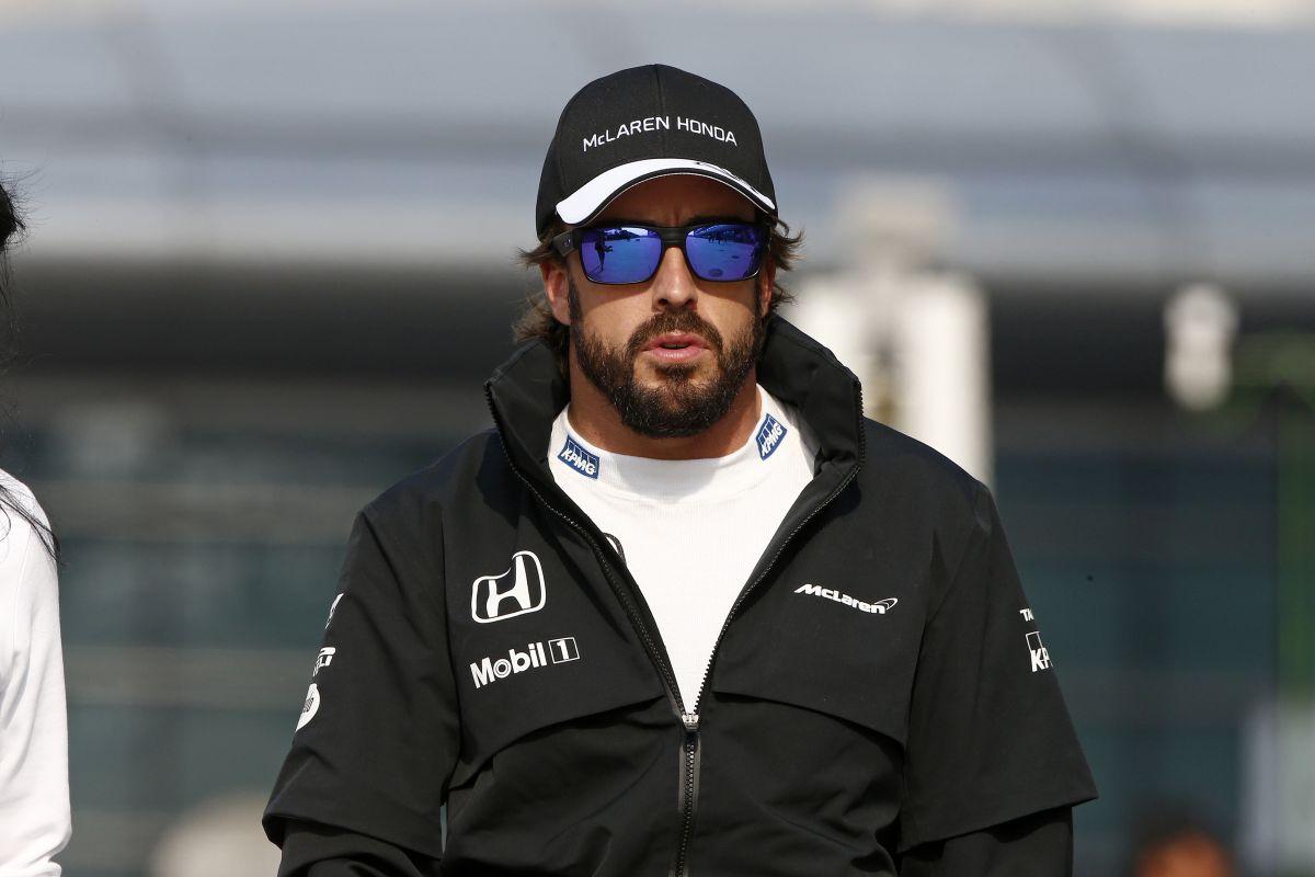 Alonso arrogáns, irigy, és egy idióta