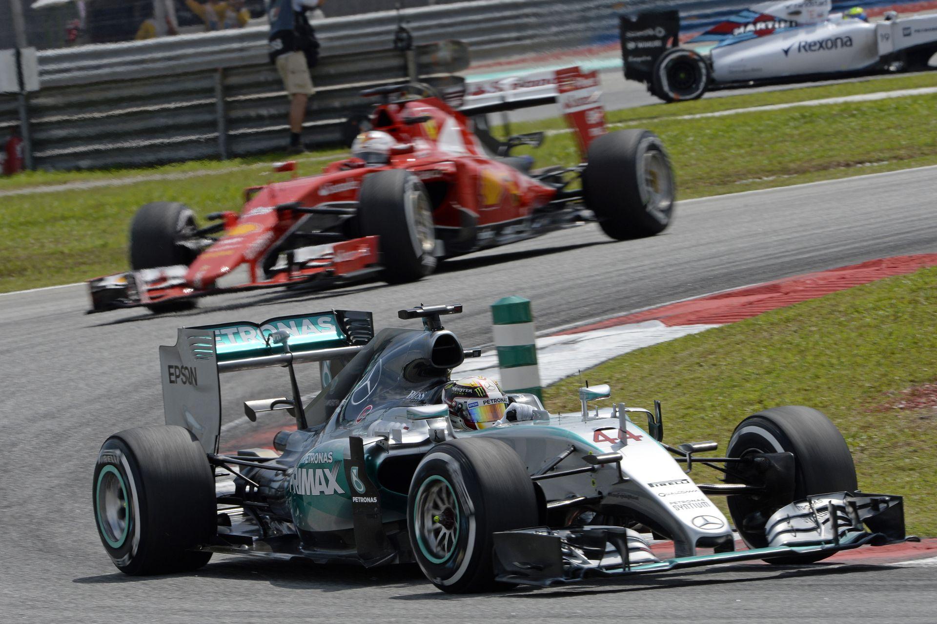 Mercedes vs Ferrari: A Ferrari komoly veszélyforrás