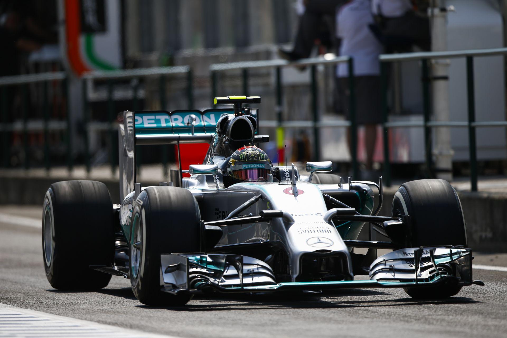 Rosberg örül is és nem is Hamilton kiesésének