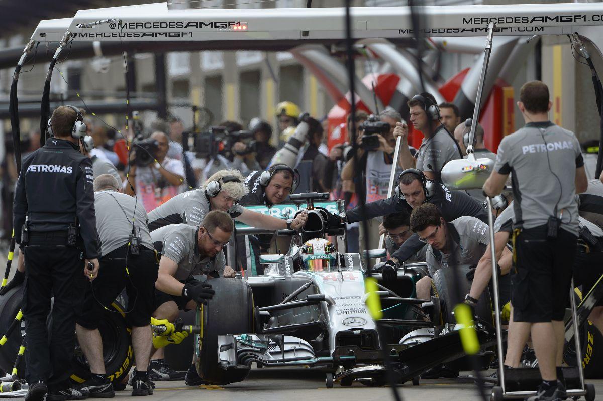 Nagyszerű nap a Mercedesnél: mindenki boldog, szalad a szekér Kanadában is