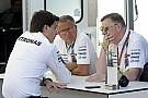 A Mercedes és a Red Bull pályán kívül is komoly rivalizálásba kezdett
