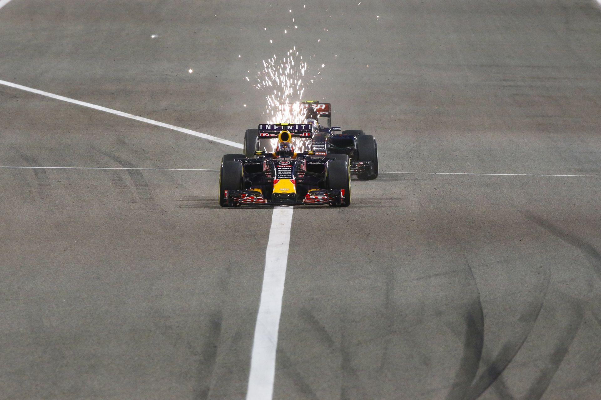 Remek onboard felvételek a Bahreini Nagydíjról: Raikkönen, Alonso és a többiek