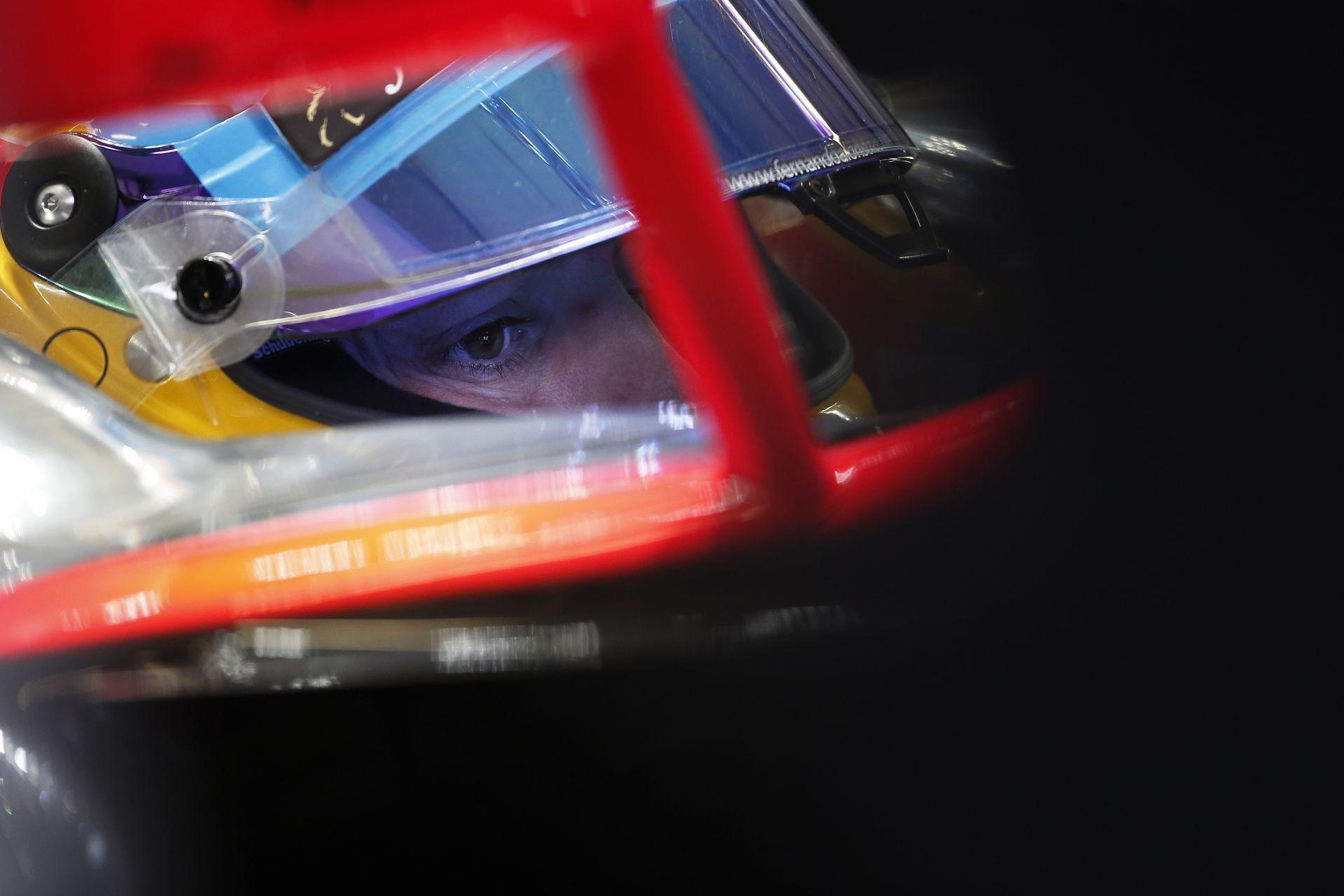 Alonso szerint valami eltörhetett az autójában az ütközés előtt