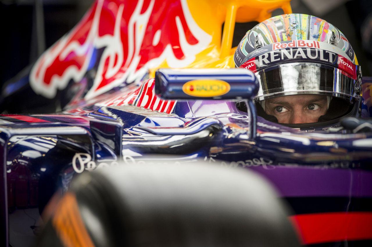 Vettel nagyon harcias volt ma: jobban élvezte, mintha el kellene engednie másokat