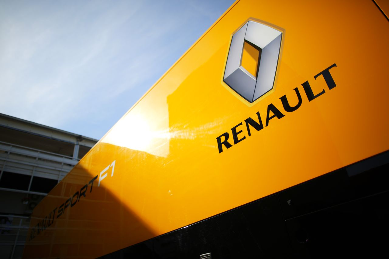 A Renault nem aludt be 2014 előtt, és gondoltak a Mercedes féle elrendezésre: Aha!