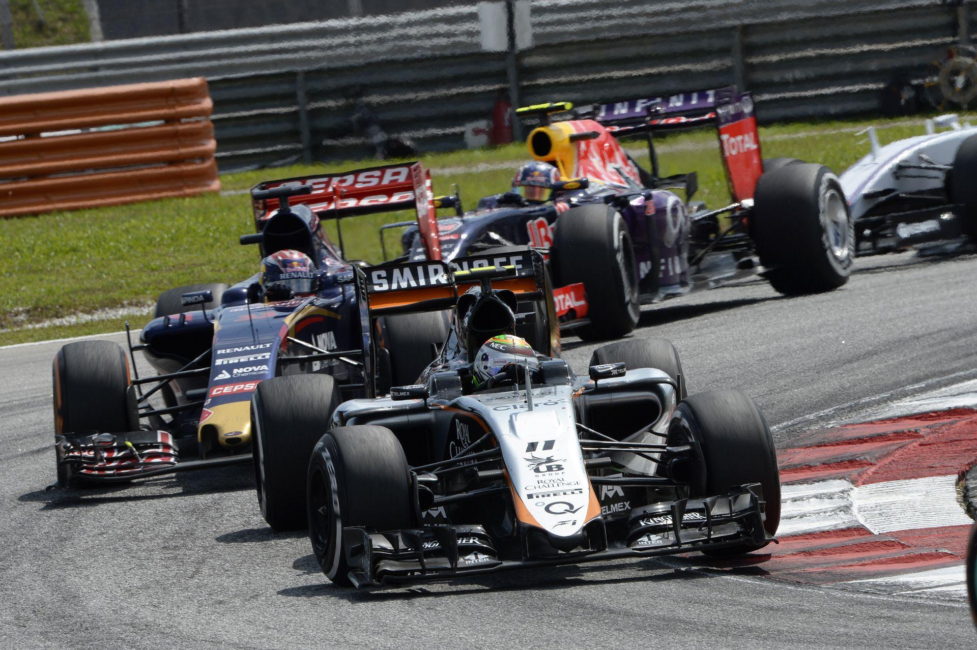 Így ütközött össze Grosjean és Pérez Malajziában