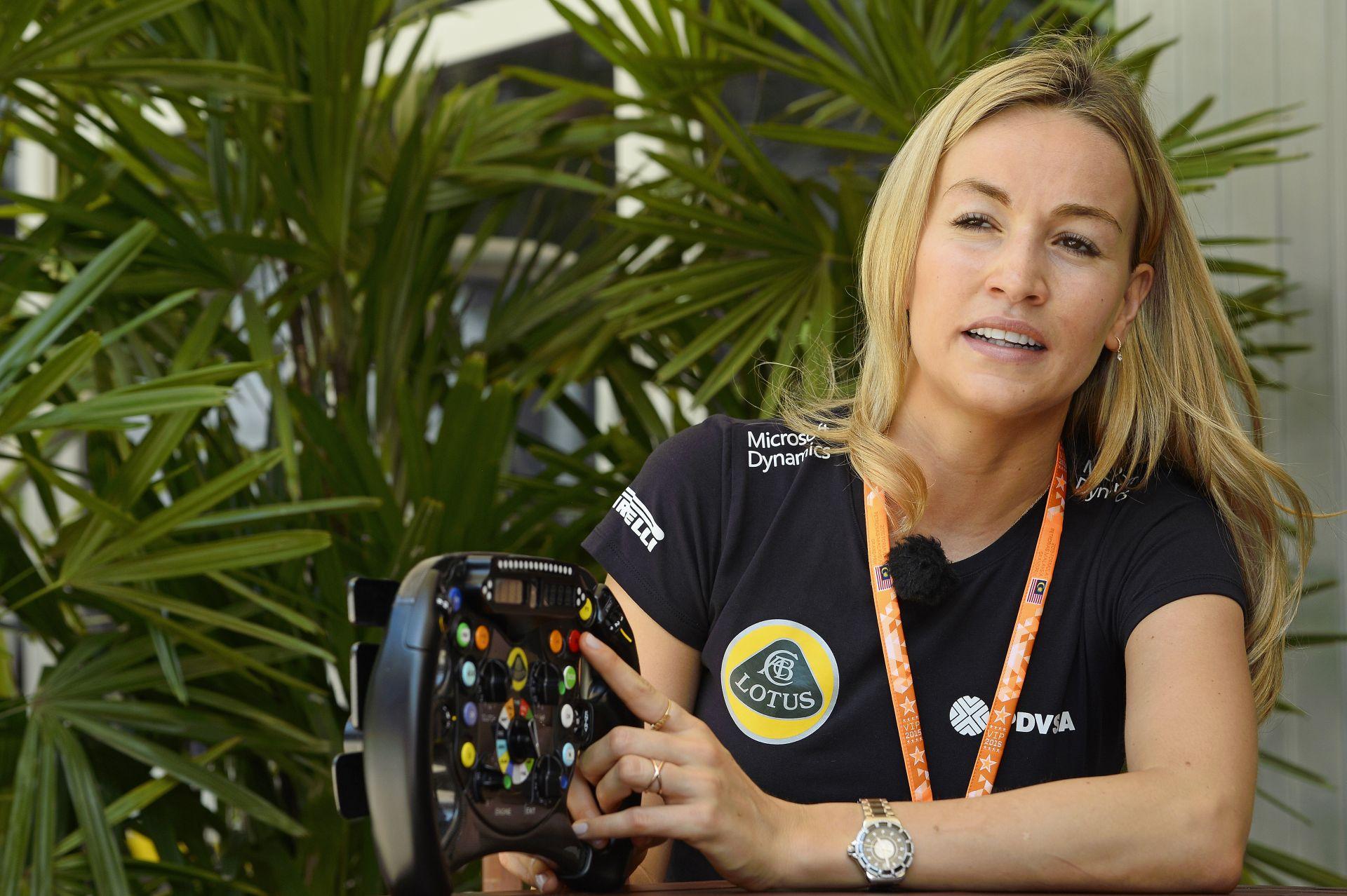 Ha a szépség számítana, Carmen biztosan ülést kapna az F1-ben