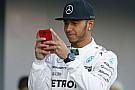 Röviden: Hamilton tárgyal, Vettel áll a Red Bull idei festése mögött