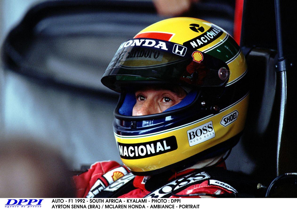 """És egy nyomós érv, hogy miért lehet jó a """"sisakfestés tilalma"""": Ayrton Senna"""