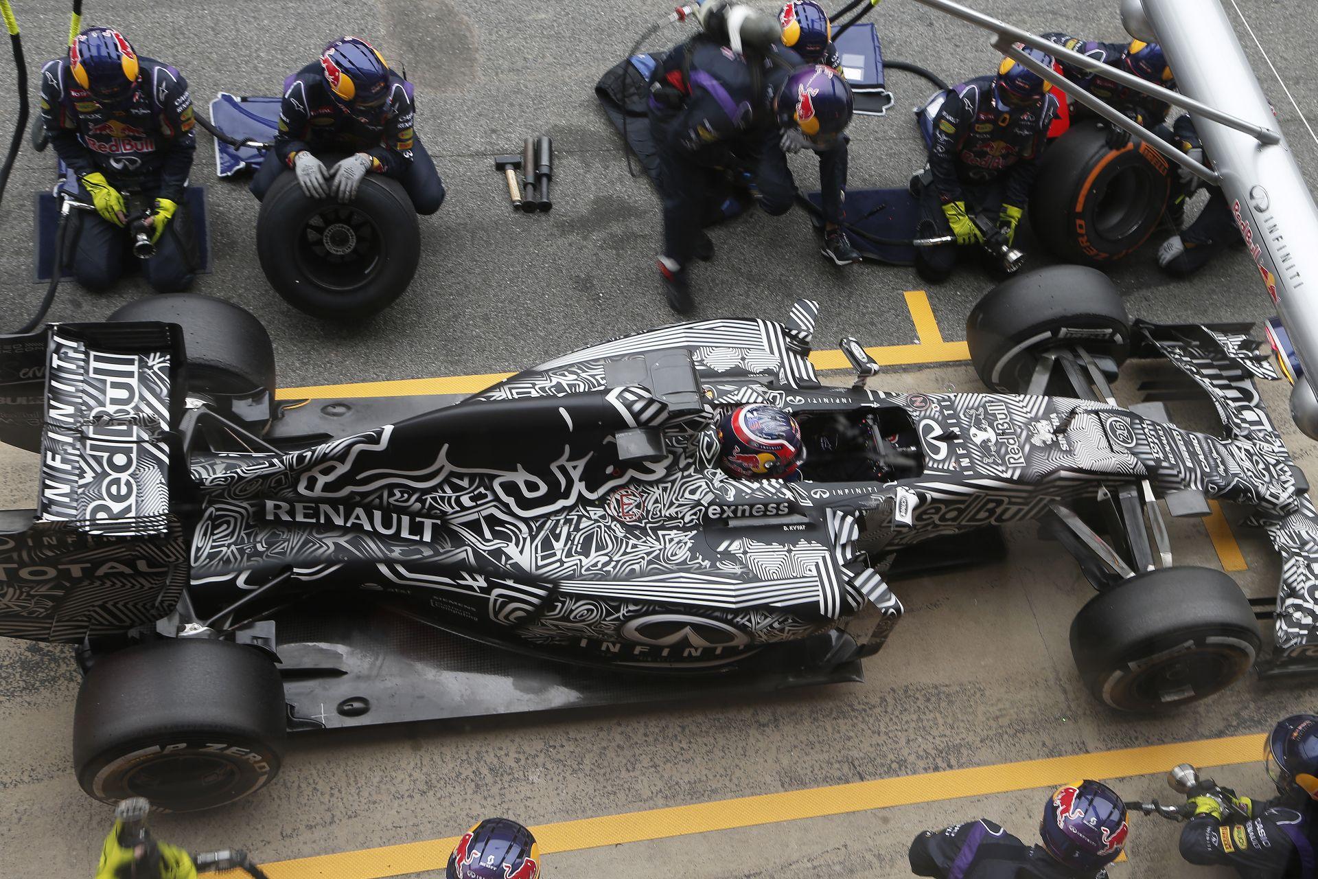 Kvyat: Hol áll a Red Bull a többiekhez képest? Ötletem sincs
