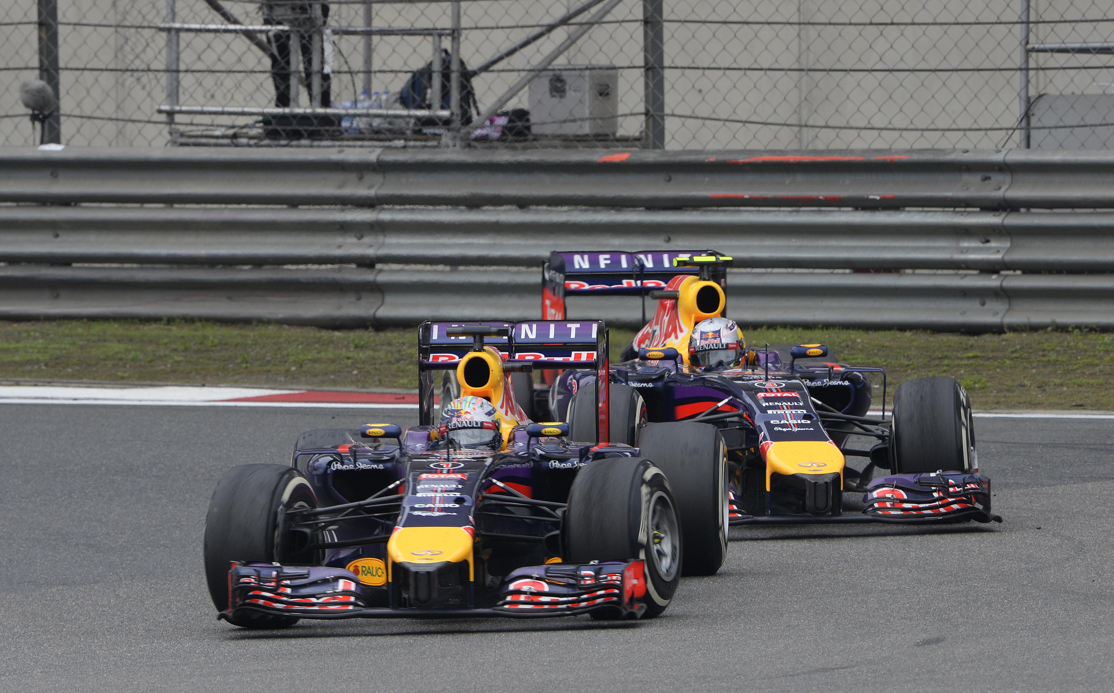 Vettel nem felejtett el vezetni - iszonyatos potenciál van az RB10-ben
