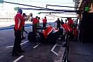 Munkában a csapatok Bahreinben: boxutcai élet a Marussiával és a Lotusszal (videók)