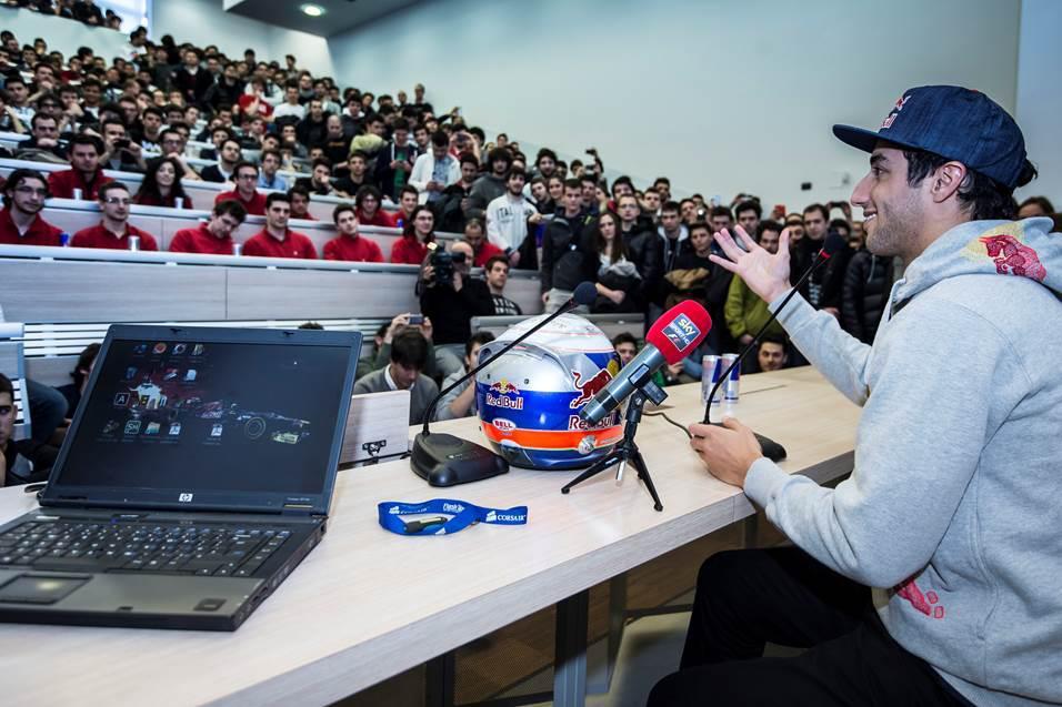 Jövőre nagy lesz a nyomás Ricciardón, de még nagyobb Vettelen