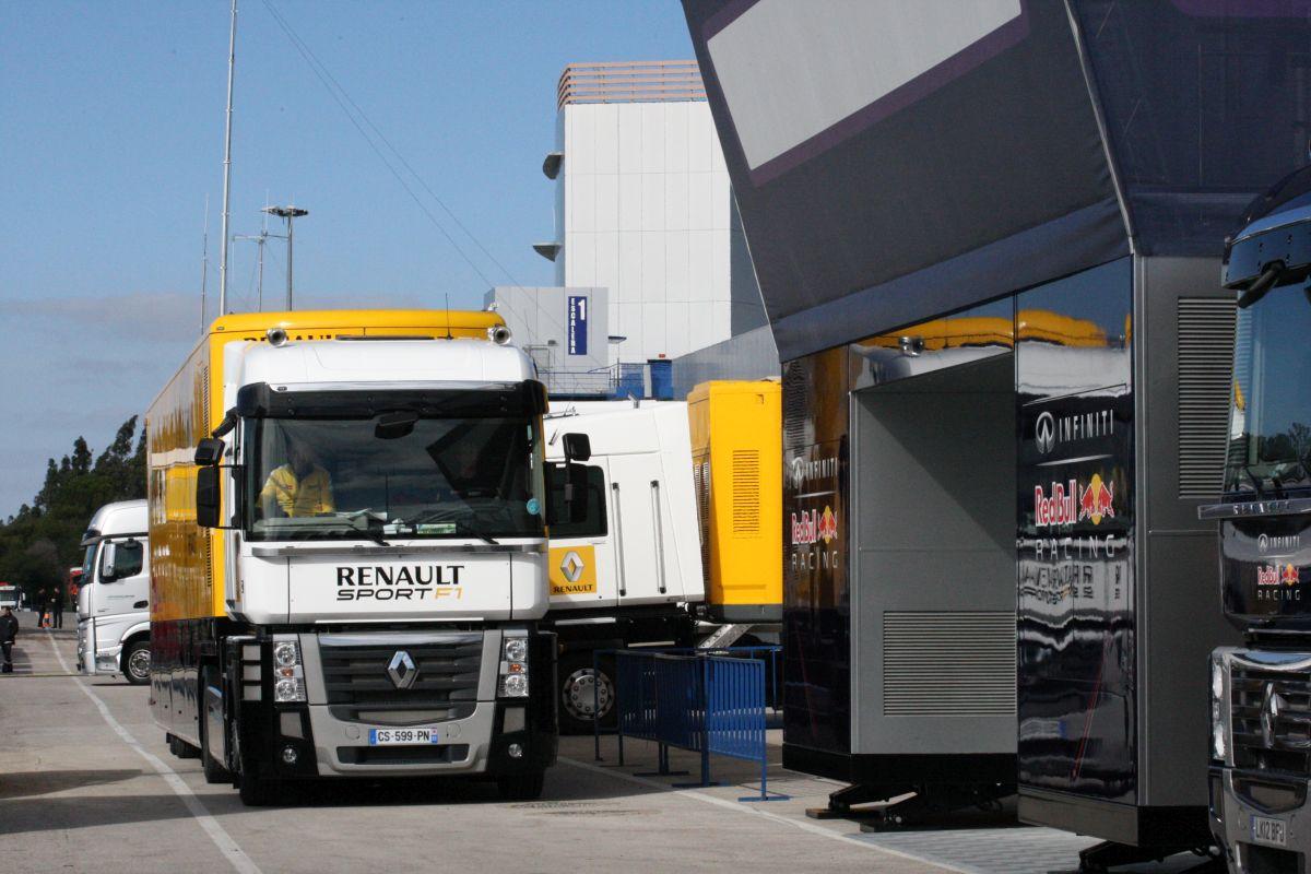 Renault: nem kérünk halasztást, de több csapat is módosításokat szeretne