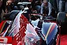 Képeken a boxutca újabb csúnyasága: bemutatkozott az idei Toro Rosso