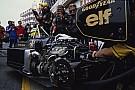 Mindenki mást akar: a Ferrari 2.2 literes, V8-as biturbót, a Honda
