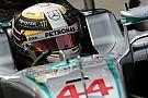 Mercedes se pone al mando en los primeros libres
