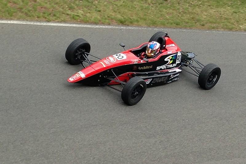 Estep remporte la 2e course de Formule 1600 à Montréal