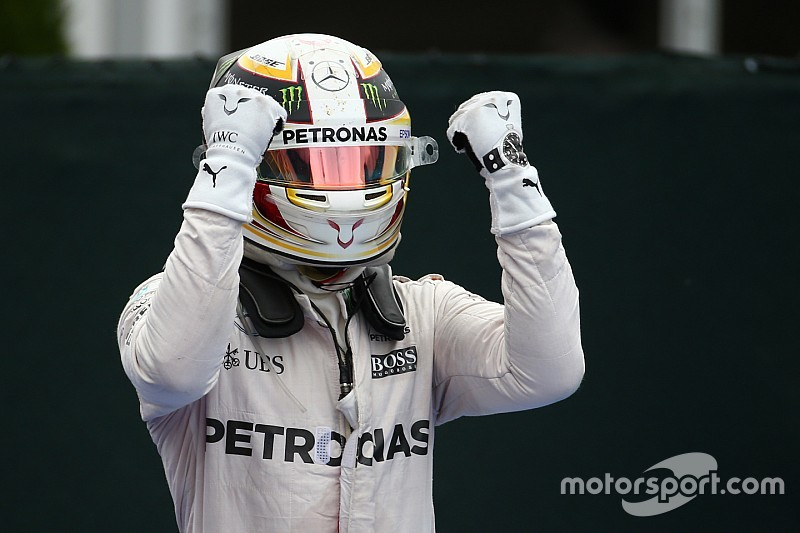 Tussenstand: Hamilton nadert Rosberg, Verstappen zesde