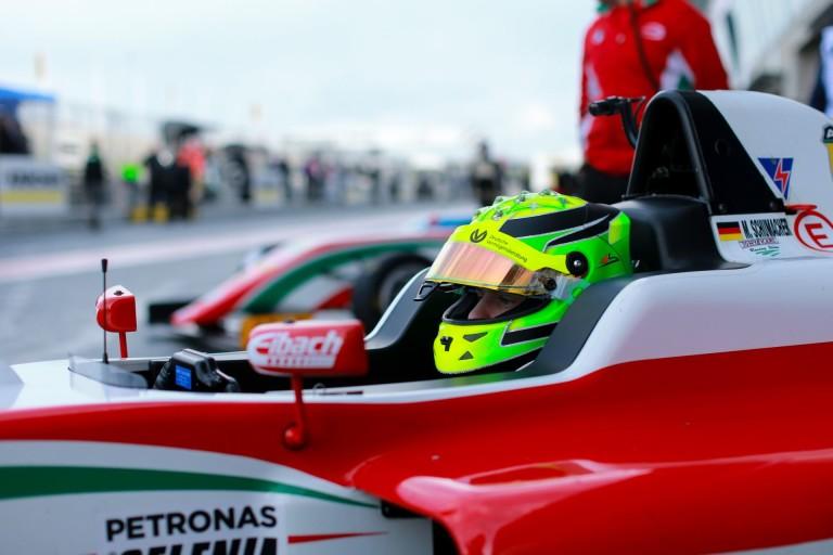 Újabb negyedik hely Mick Schumacher neve mellett Oscherslebenben