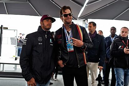 Lewis Hamilton presume foto con Tom Brady