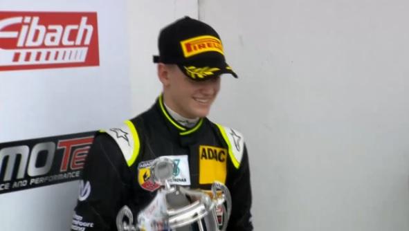 Mick Schumacher: Azonnal két baleset az első körön!