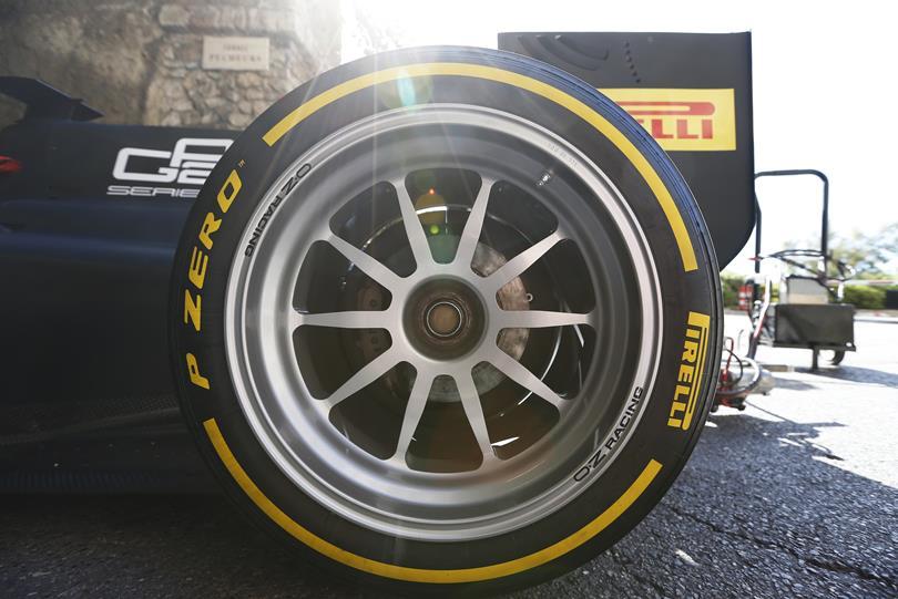 Képgaléria a Pirelli 18 colos kerekéről Monacóból: Ex-F1-es tesztelte