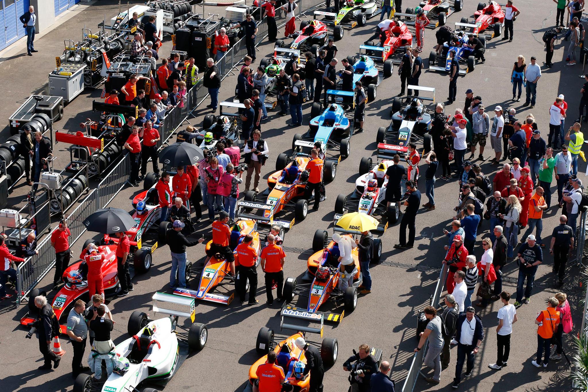 Hatalmas hajrát futott Michael Schumacher fia élete első F4-es versenyén