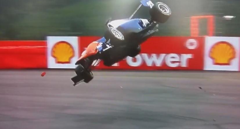 Videón az év egyik legnagyobb bukása a motorsportban: Belgiumban repült hatalmasat a versenyző