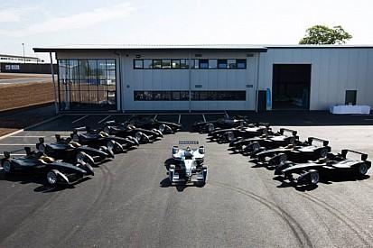 Ez már tényleg a célegyenes: elkészültek a Formula E autói, talpon a közös bázis