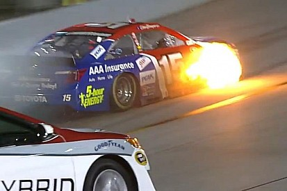 NASCAR: Egy újabb tüzes jelenet