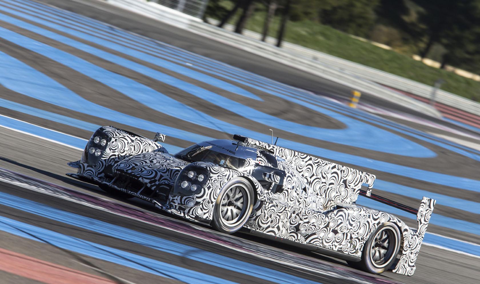 Képek Mark Webber első tesztjéről: Porsche LMP1