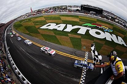 Daytona 500: Jimmie Johnson nyert, Danica Patrick történelmet írt