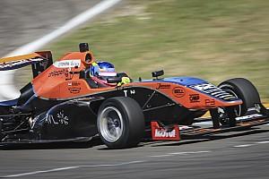 Formula Renault BRÉKING Habsburg Ferdinánd csak egy hajszállal maradt le a dobogóról Taupóban