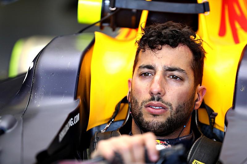 """Ricciardo over 1,2 seconden tijdverlies: """"Hopelijk zit Marko fout!"""""""