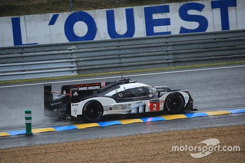 Porsche nog steeds bovenaan na natte tweede kwalificatie in Le Mans