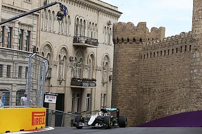 ヨーロッパGPフリー走行1回目:ハミルトンがトップ。リカルドがクラッシュ第1号