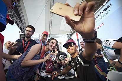 Чемпион NASCAR призвал Ф1 не ограждать пилотов от фанатов