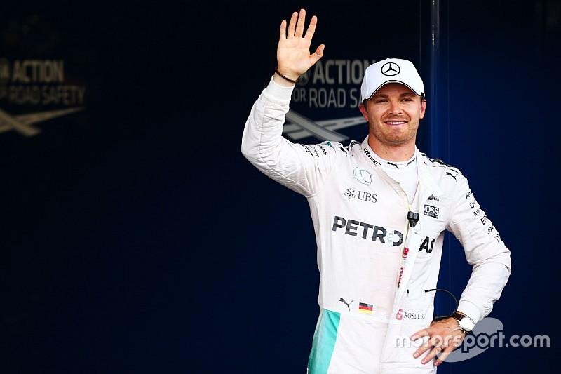 Nico Rosberg naar pole, crash Hamilton, Verstappen negende