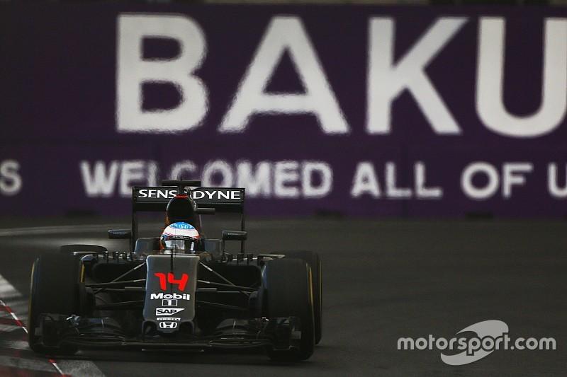 Alonso - La McLaren perd huit dixièmes dans la seule ligne droite
