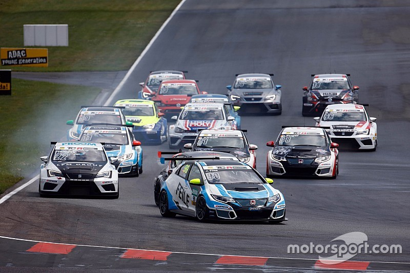 TCR Deutschland in Oschersleben: Josh Files siegt im zweiten Rennen