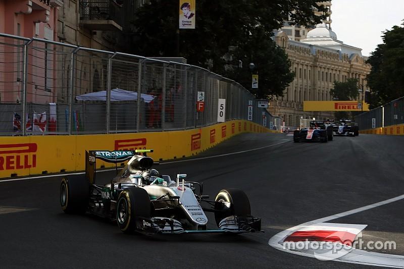 Mercedes verbijsterd door dominantie in Baku