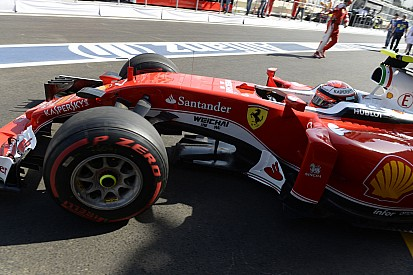 Raikkonen, Vettel'e yol verirken kaybettiği zamandan mutsuz