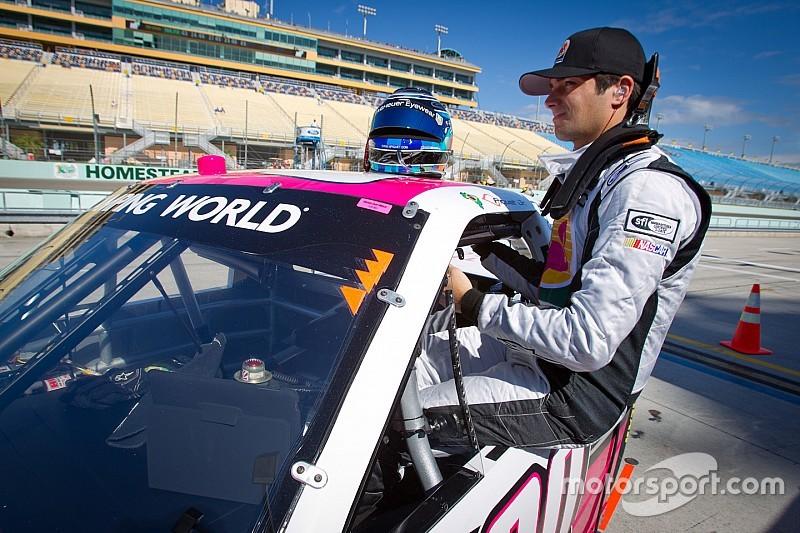 Na TV, Nelsinho declara amor à NASCAR e prefere Truck Series