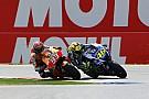 Dubbele curbstone in GT-bocht, Marquez en Rossi tevreden