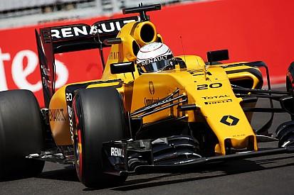 Prost: Renault 2017'ye odaklanma konusunda ikilemde