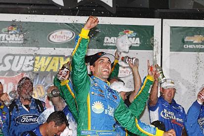 Na prorrogação, Almirola leva a melhor em Daytona